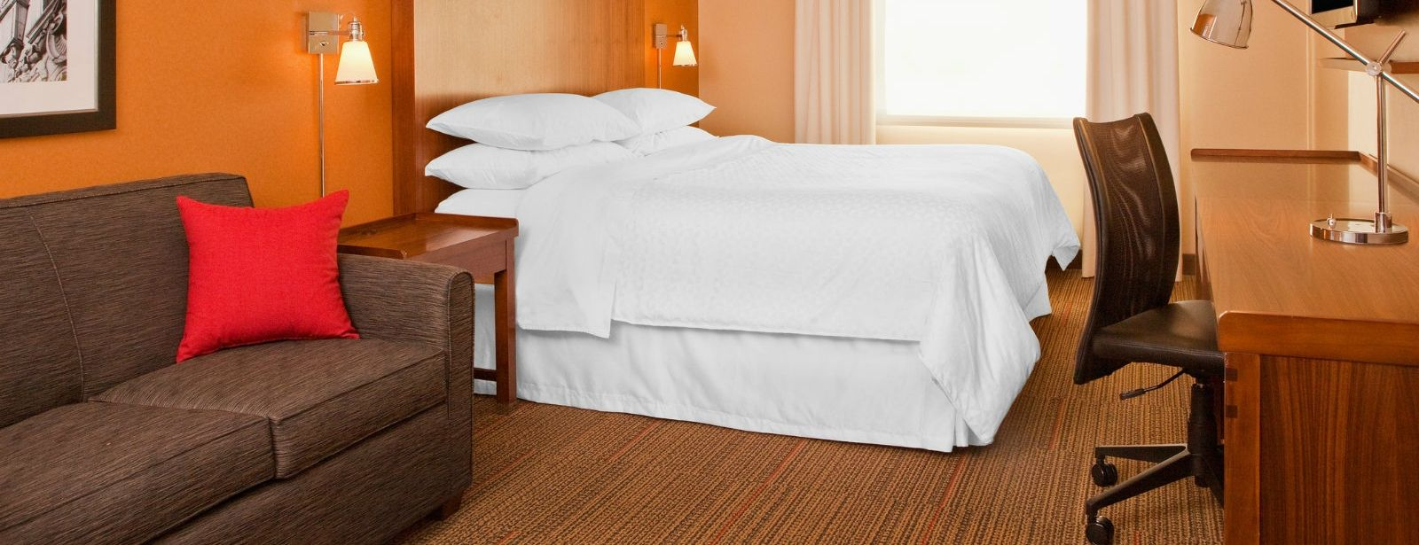 Newark Accommodations - Traditional Room